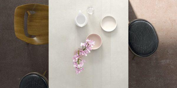 mesa tavole combinada con blanco y ceramica